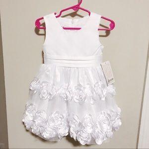 Beautiful white formal toddler dress NWT 18 mo